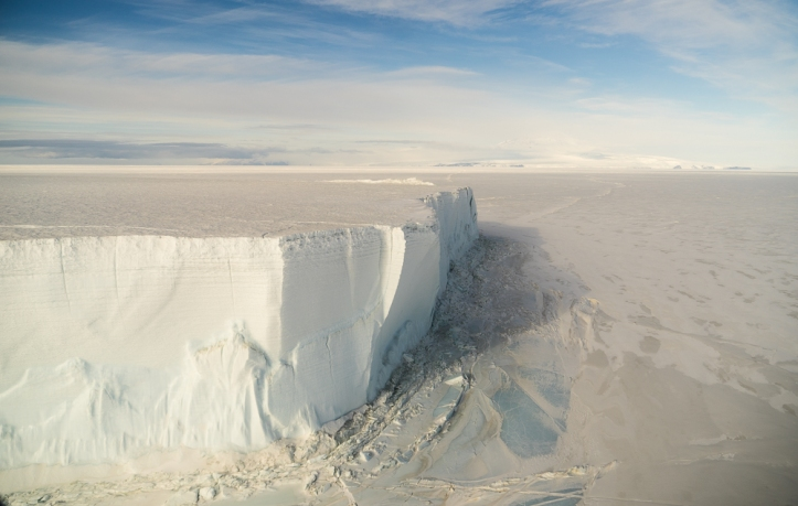 100 foot high tabular iceberg